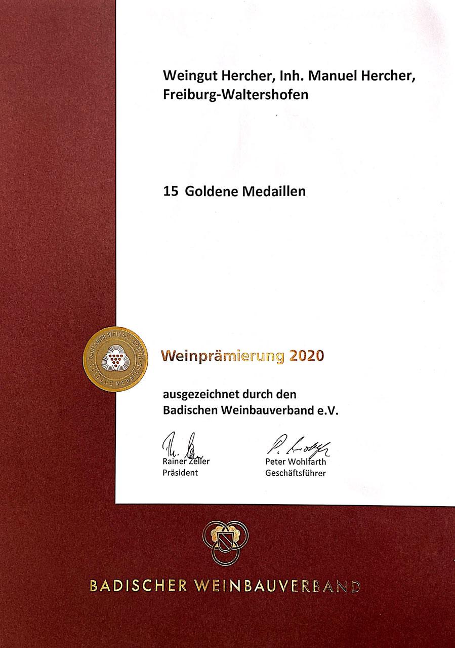 foto-Goldmedaillen-Urkunde-2020-Weingut-Hercher